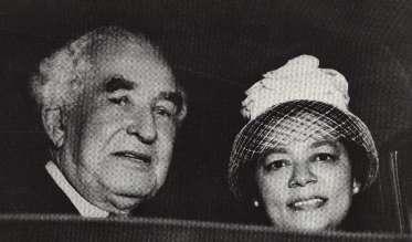 Busta&wifeLarge