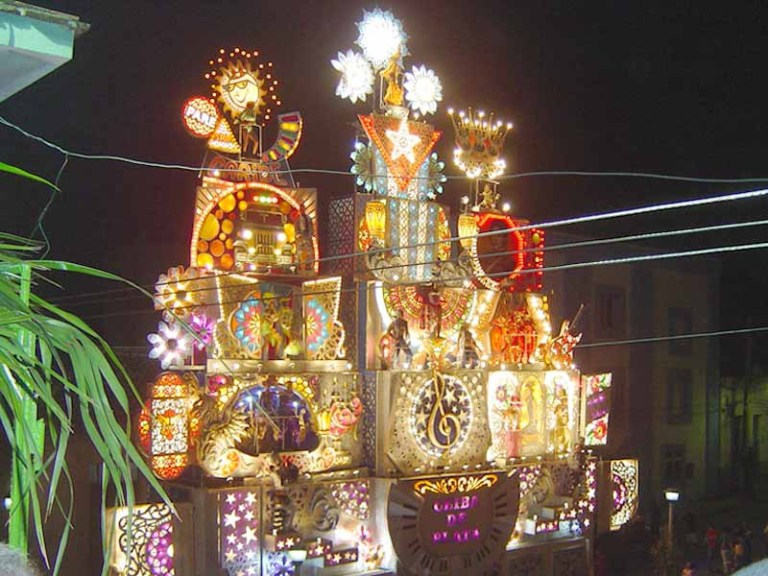 hundreds of cubans on sunday celebrated the arrival of 2011 with a duel of floats at the event known as las charangas de bejucal the bands of bejucal - Cuban Christmas Traditions