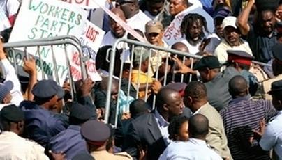 bahamas_protest3