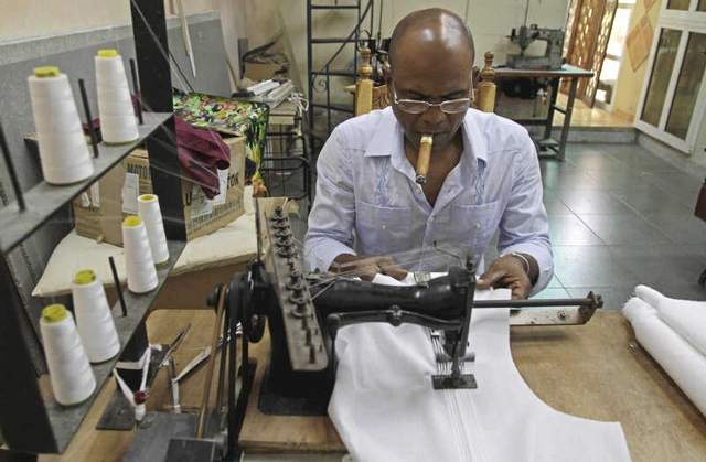 Havana Artisan Makes Guayaberas For The Famous Repeating Islands