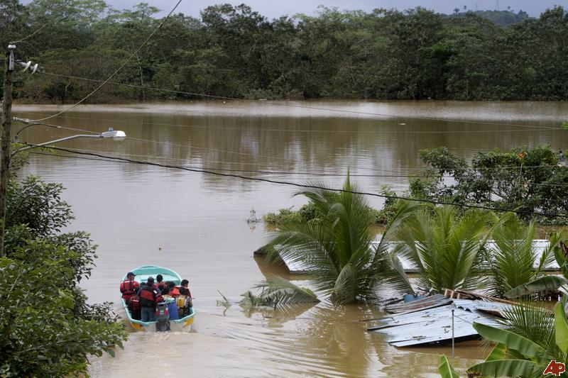 panama-flooding-2010-12-13-18-40-49