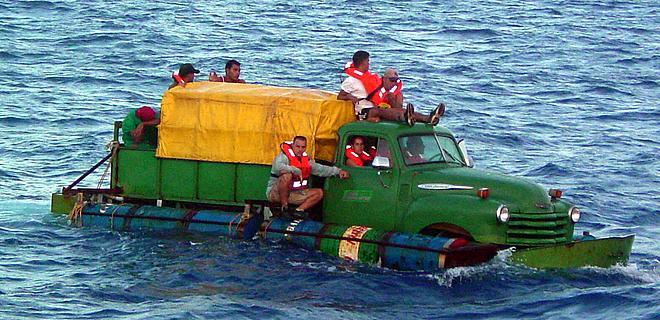 cuban_swimming_truck_ah_53564