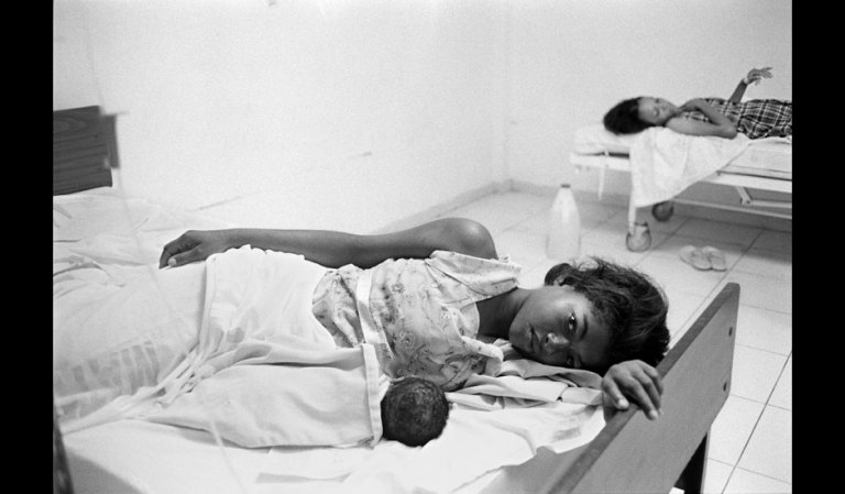 Alice Proujansky's shot of a new mother and her baby