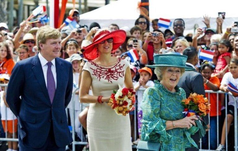 Princess Maxima (C), Prince Willem-Alexa