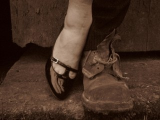 The_Man_in_the_Womans_Shoes-461x346-320x240