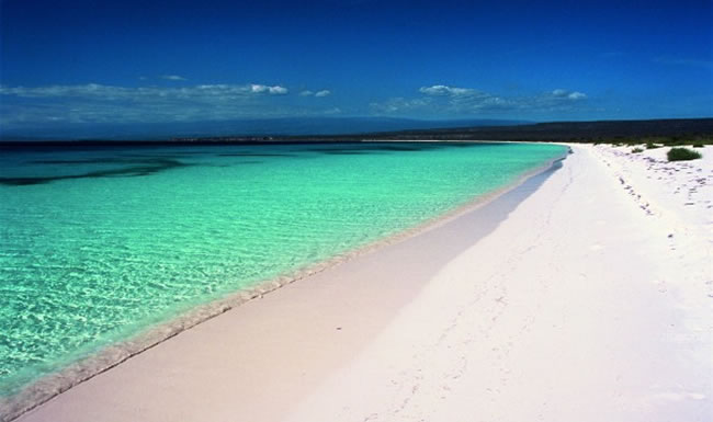 clearest-waters-to-swim-in-before-you-die-20