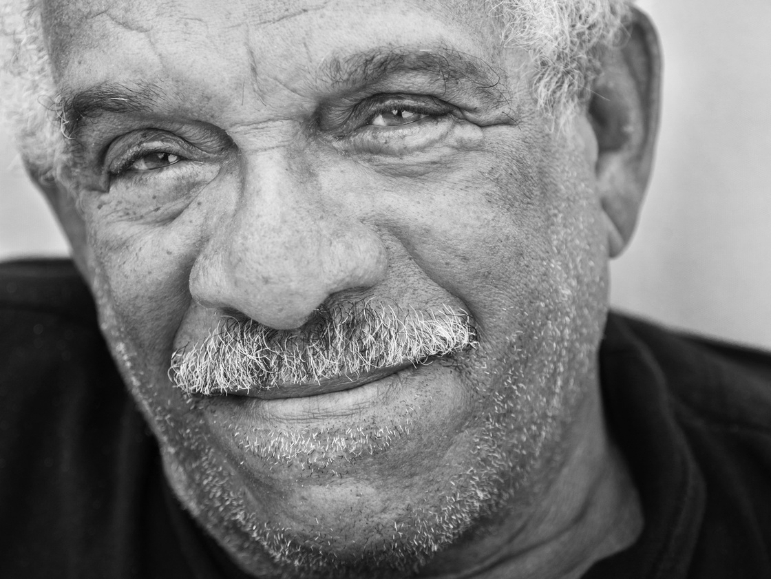 Derek Walcott 60 Years Of Poems Mix Anger Ambivalence And Authority Repeating Islands