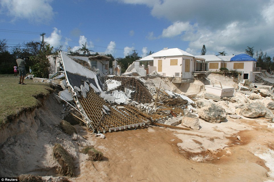 Bermuda Cleans Up After Hurricane Gonzalo Repeating Islands