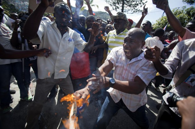 aptopix-haiti-protest.jpeg-620x412