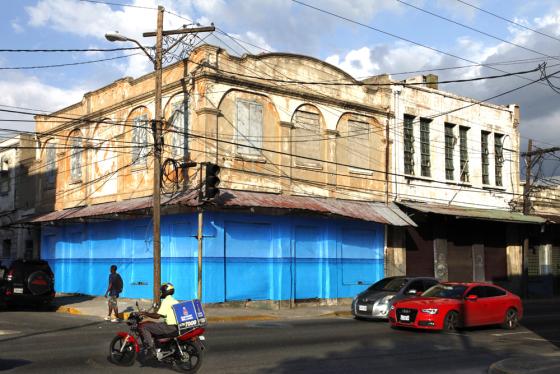 blue-curry-at-orange-street