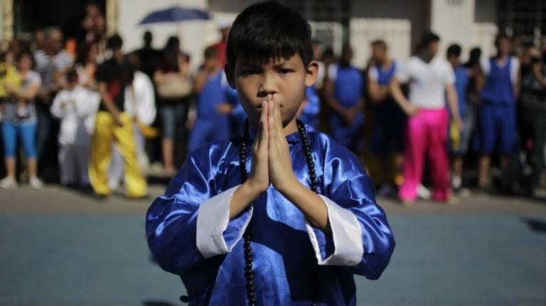 a-child-practices-kung-fu-in-havanas-chinatown
