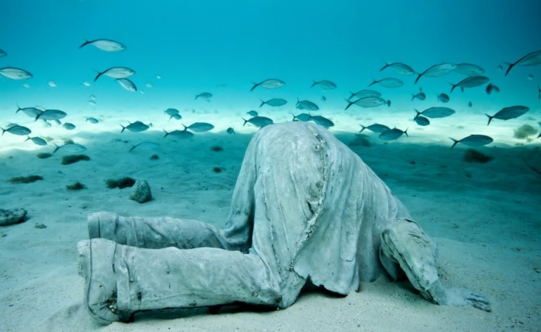 4-sculpture-modern-art-jason-decaires-taylor-sculpture