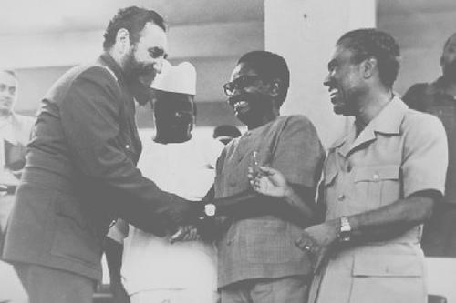 Castro-in-Angola-w-President