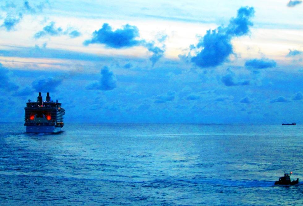 Ships-At-Dusk-In-The-Caribbean-Sea