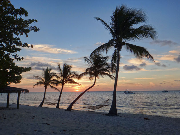 serge-melki-little-cayman-sunrise