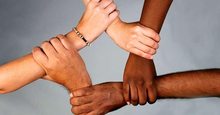 racismo_adelante_cu