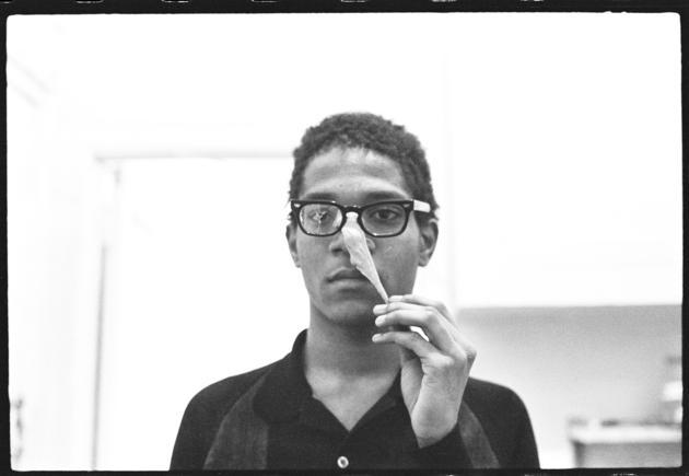 basquiat_performing_in_the_apartment_c-_1980