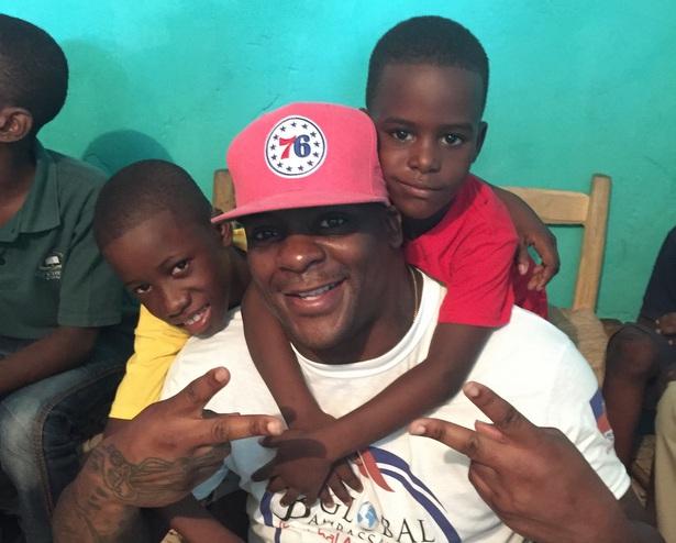 Clinton_Portis_Haiti_615.jpg