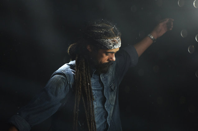 02-damien-marley-on-set-2016-billboard-1548.jpg