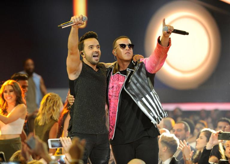 Billboard-Latin-Music-Awards--Show.jpeg.CROP.promo-xlarge2.jpg