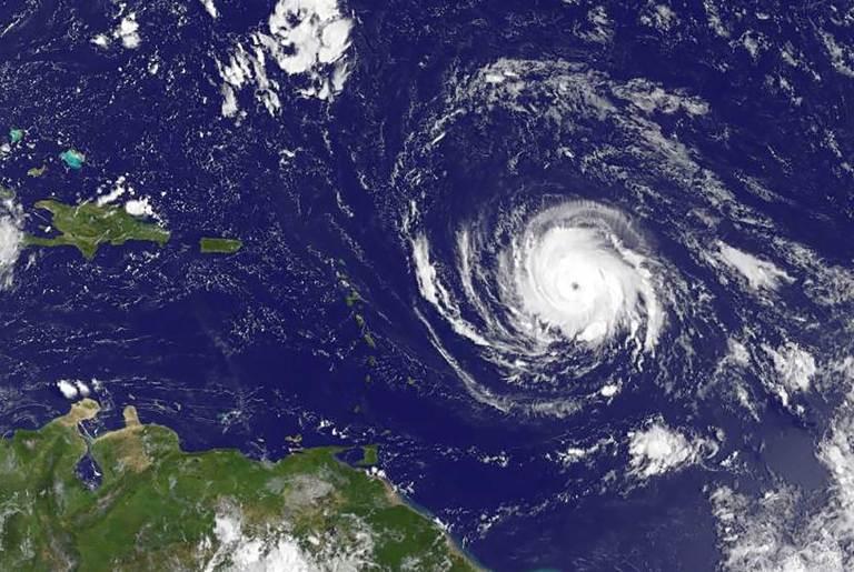 170904-hurricane-irma-ac-557p_c47d7a177fe648ccaf68d96f4c1c951b.nbcnews-ux-2880-1000.jpg