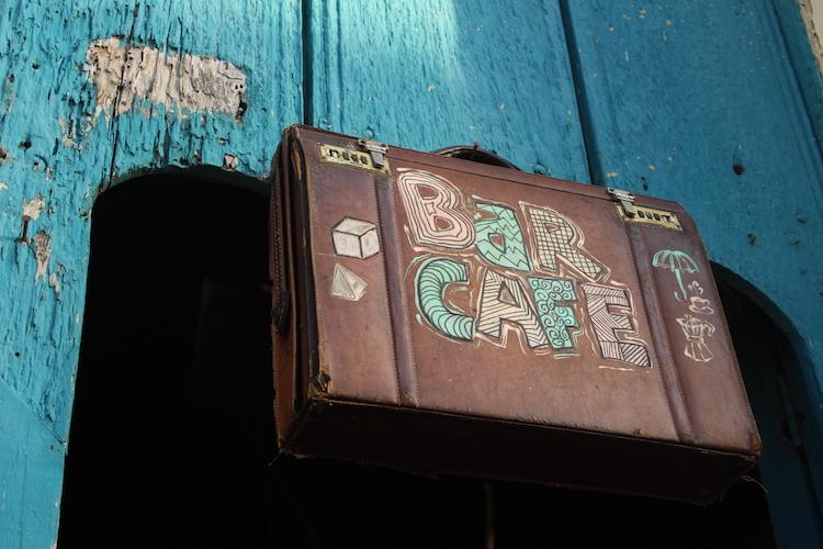 cafe_bar.jpg