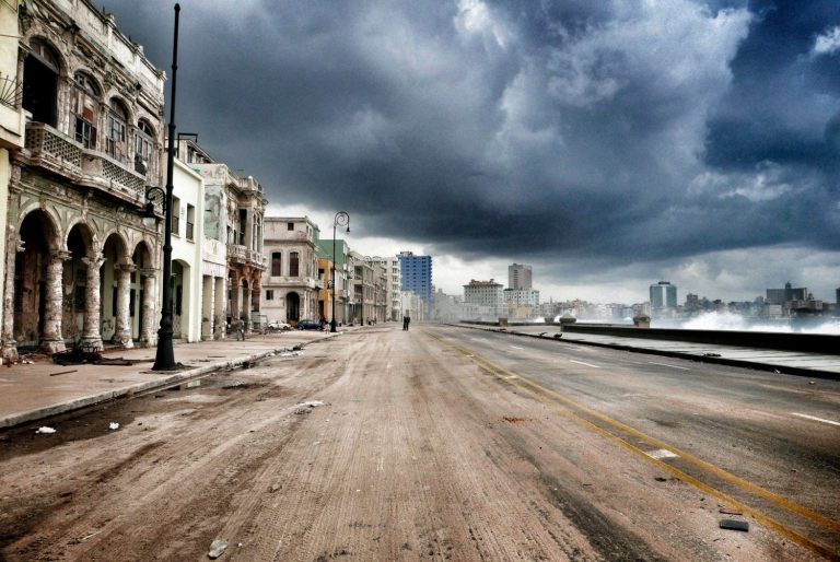 Havanas-Malecon-waterfront-in-the-aftermath-of-Hurricane-Irma.-Image-by-Sven-Creutzmann-Mambo-Photo-1500x1004.jpg