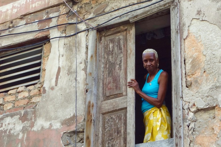 15-havana-cuba-poverty-locals-woman.jpg