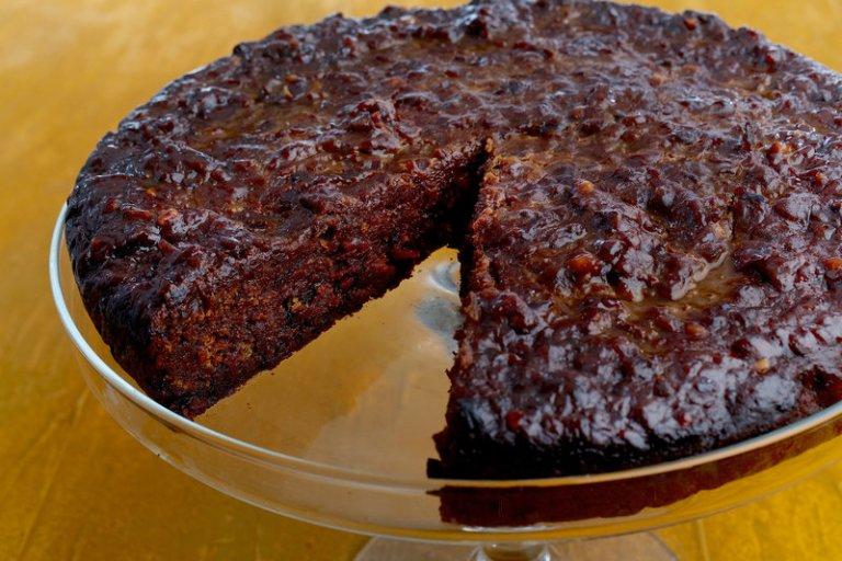 01-caribbean-black-cake_custom-7c7c3c6c08cd85d3ac1daf0a93f390fede69d087-s800-c85.jpg