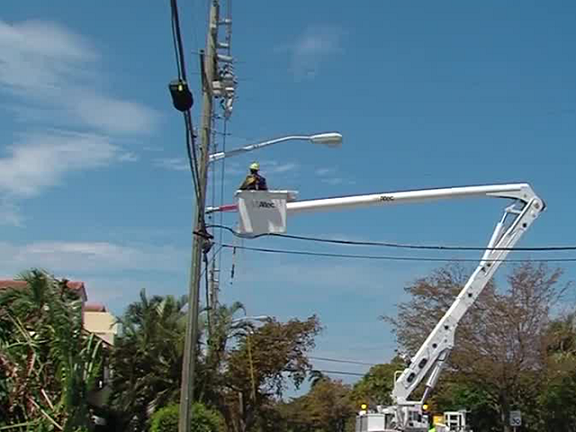 wptv_power-pole_1505342892781_66299740_ver1.0_640_480