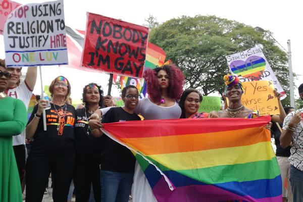 Trinidad_and_Tobago_protesters_insert_by_Rachael_Amanda_Espinet.jpg
