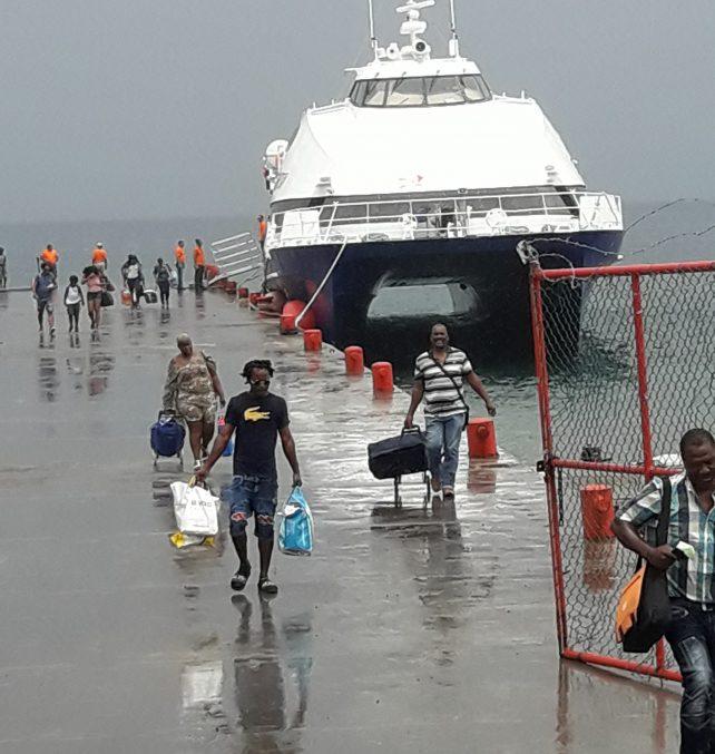 Val-Ferry-passengers-e1533427761848-642x677.jpg
