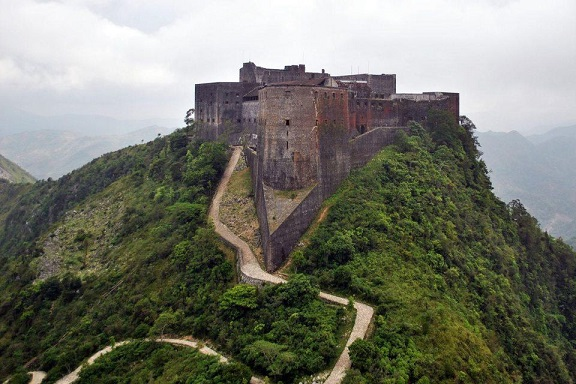 Citadelle_Laferriere_Aerial_View-1200x800