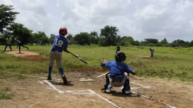 2013-08-18t000000z_122172635_gm1e98i1jk201_rtrmadp_3_baseball-doping-dominican.jpg