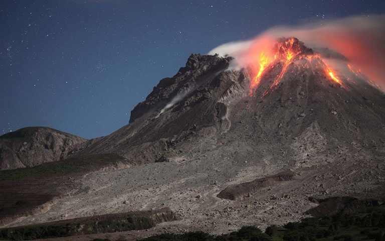 montserrat-caribbean-volcano-cruise-eruption.jpg