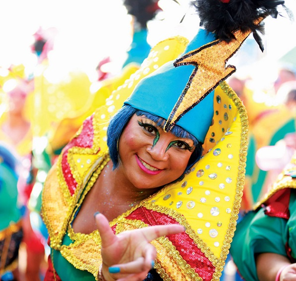 Curacao-Carnival-1-e1574788527876.jpg