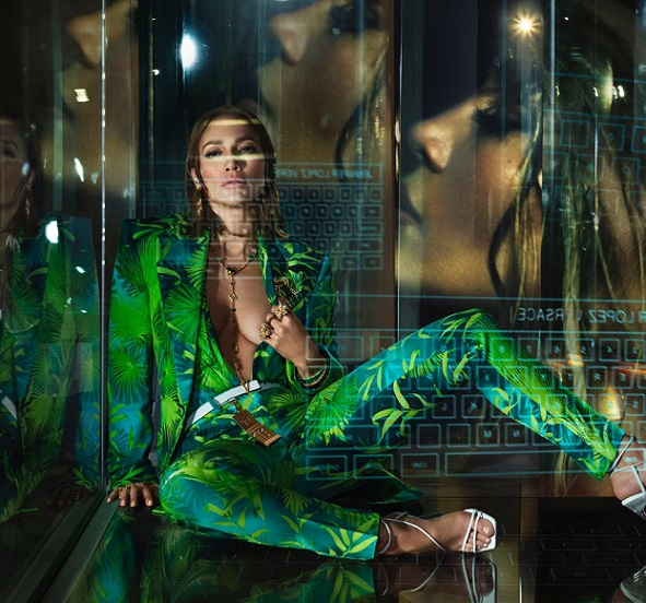 jlo.versace-spring-summer-20-collection-campaign-jennifer-lopez-3