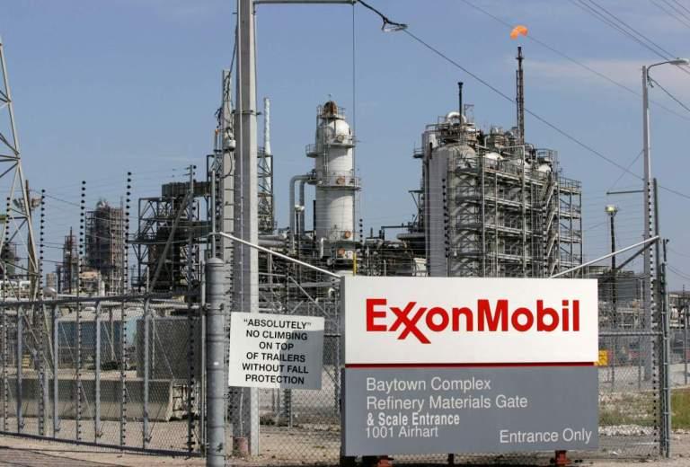 2020-01-20T174012Z_1632237194_RC2TJE9LN547_RTRMADP_3_GUYANA-OIL-CARGO.jpg
