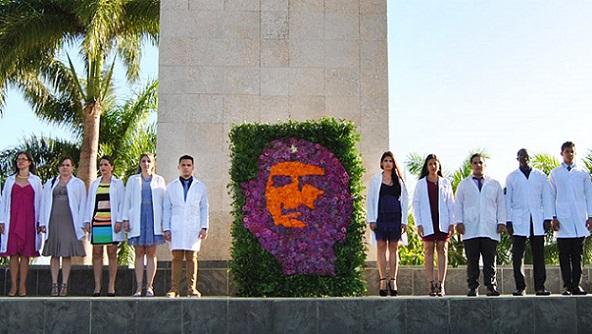 cuba_che_medicine_students_747x420