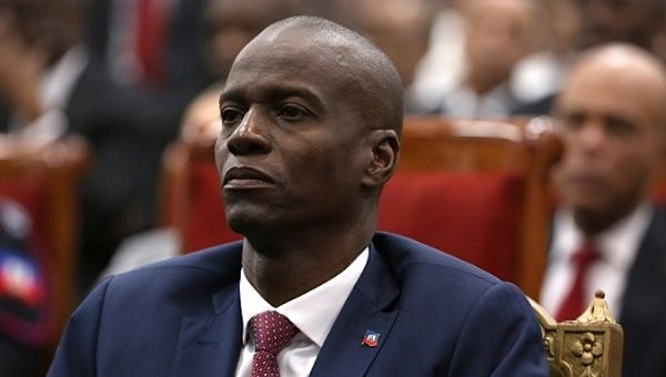 Jovenel-Moise-with-Martelly-out-of-focus-behind