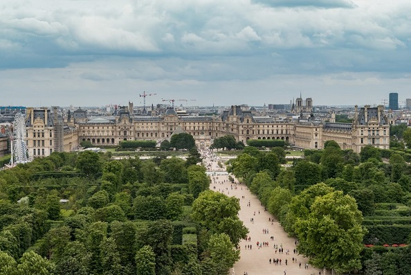 Louvre_Museum_from_the_Roue_de_Paris_11_July_2016-1024x683