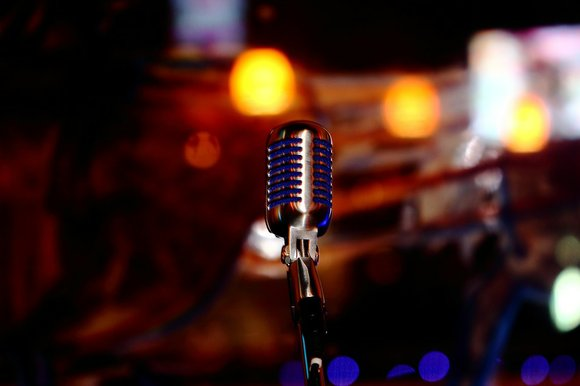 microphone-780178_960_720_t580.jpg